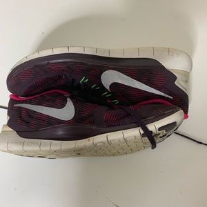 Womens Nike Free 5.0 size 10 running shoes